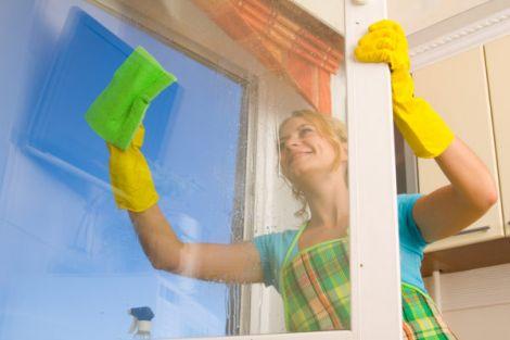 Cách làm sạch cửa kính