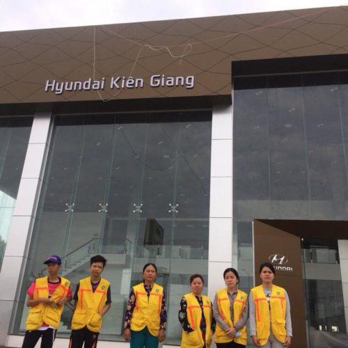 Vệ sinh showroom Hyundai Kiên Giang
